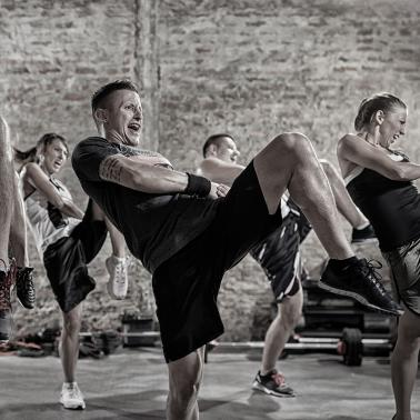 Black & White - Group Fitness